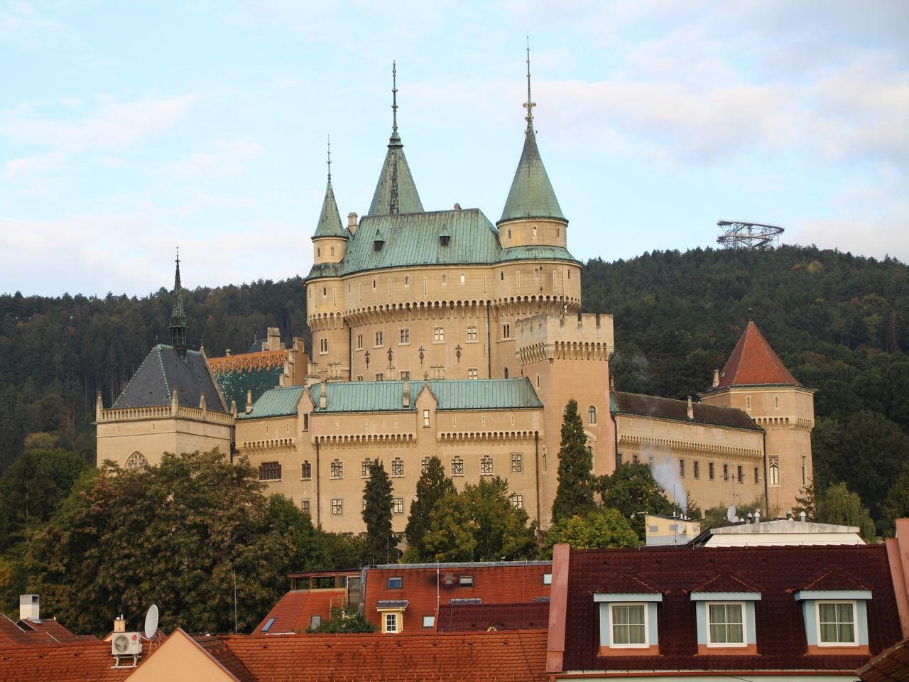 Vistas del castillo de Bojnice desde la habitación del hotel.