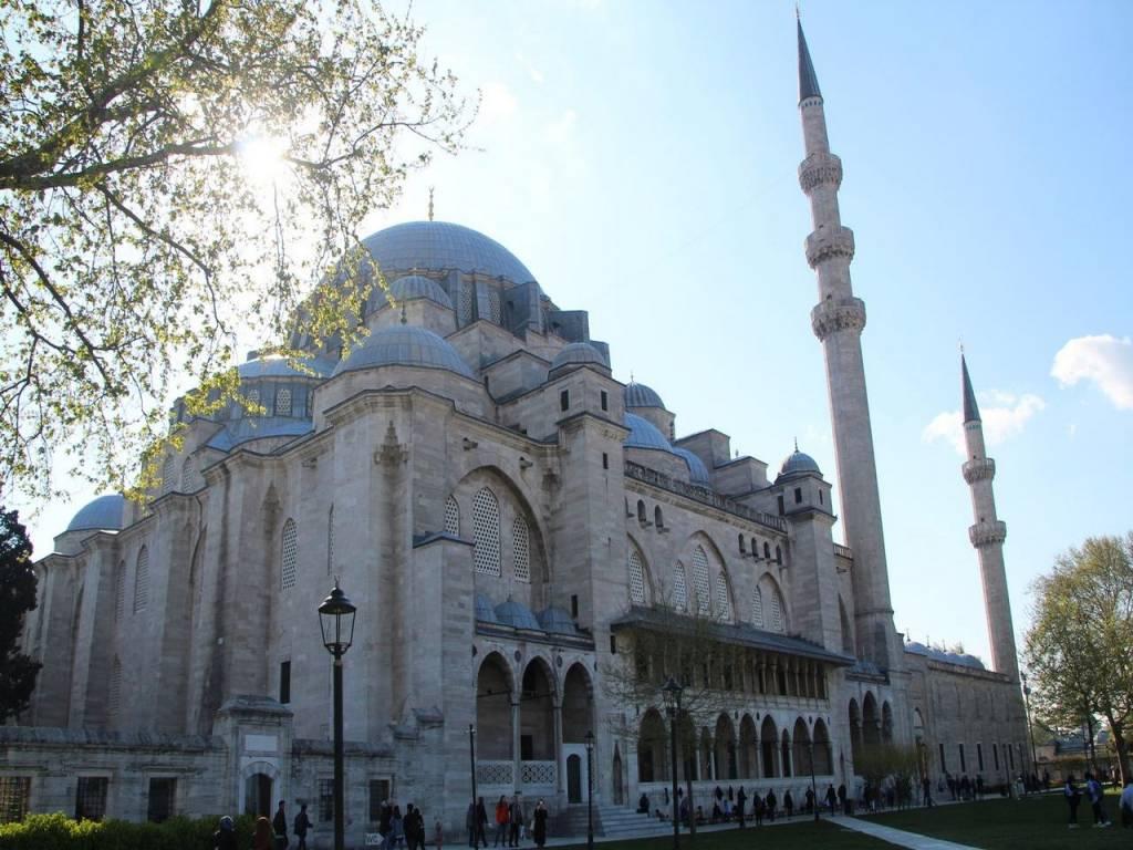 Cuánto cuesta un viaje a Turquía: mezquita de Süleymaniye.