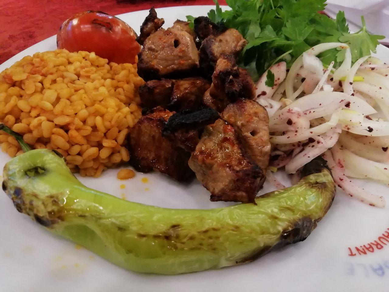 Presupuesto para viajar a Turquía: comidas y cenas.