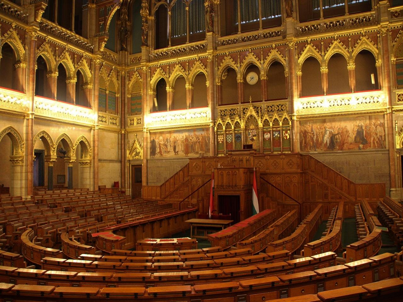 Antigua Cámara Alta donde debatían los diputados, ya en desuso.