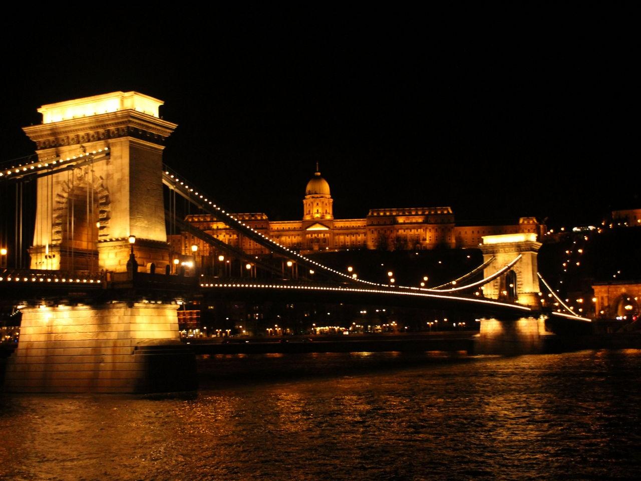 Imprescindibles en Budapest: crucero por el Danubio.