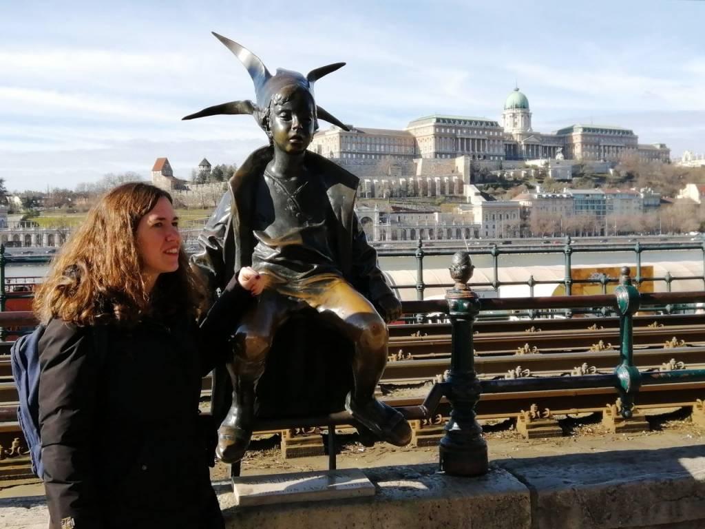Qué ver en Budapest: estatua de la Princesita o el Duende de Budapest.