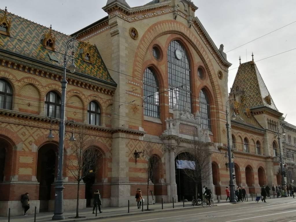 Otro de los lugares que ver en Budapest es el Mercado Central.
