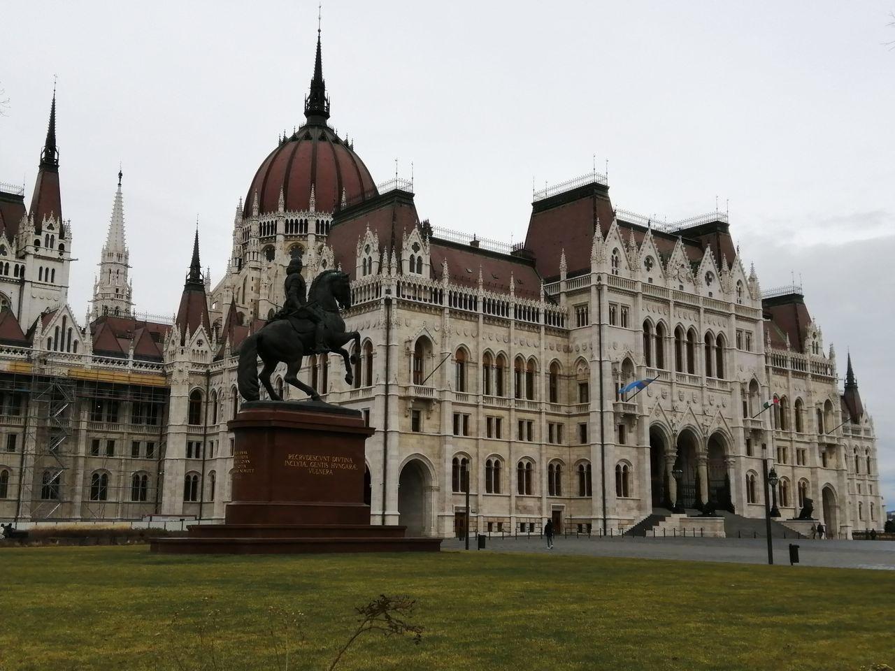 Hace 15 años, la fachada del Parlamento era completamente gris.