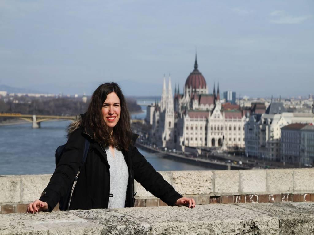 Desde el Castillo de Buda se tienen unas vistas fabulosas del río Danubio con el Parlamento de fondo.