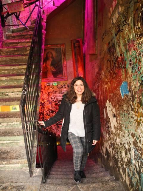 No te vayas de Budapest sin ir por la noche al Szimpla Kert, un ruin pub que no te deja indiferente.