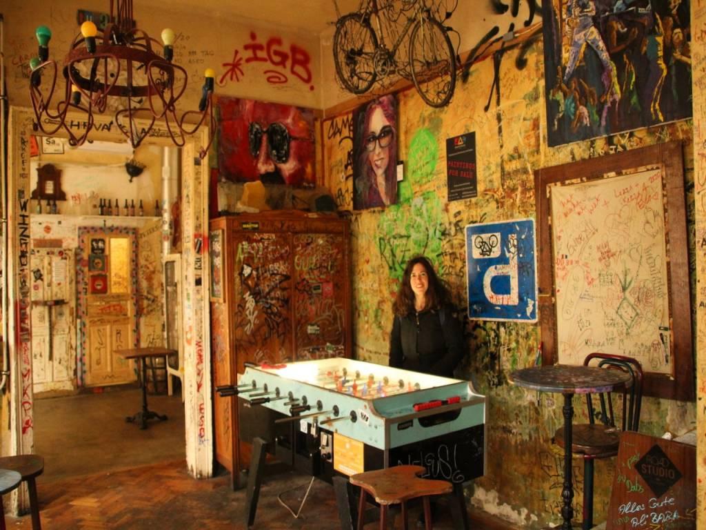 No puedes irte de Budapest sin visitar el ruin pub Szimpla Kert.