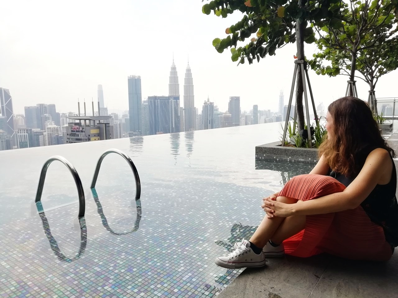 Mi alojamiento en Kuala Lumpur tenía infinity pool, vistas a las Torres Petronas y fue muy económico.