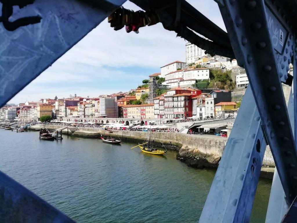 Mi viaje por Oporto en 3 días tuvo paseos a pie y crucero por el río Duero.