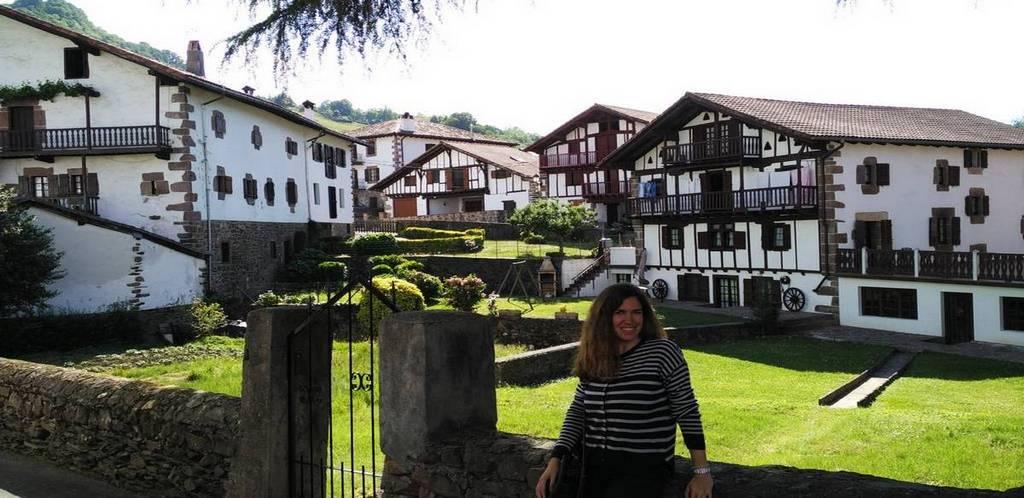 Echalar o Etxalar es un pueblo muy pintoresco cerca de Elizondo.