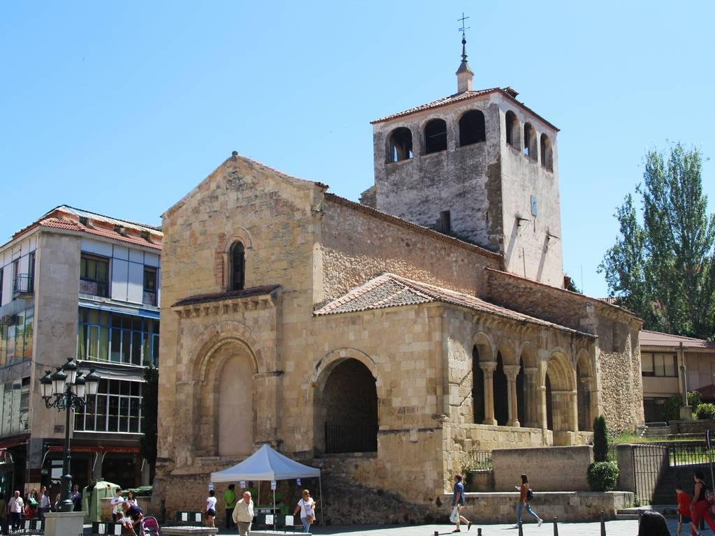 Otra iglesia que ver en Segovia es la de San Clemente.