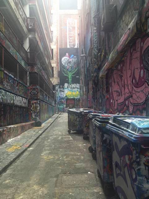 En tu escapada por Melbourne en 2 días verás muchas calles con grafitis y arte urbano.