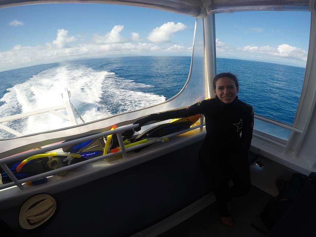 Preparada en el catamarán a pocos minutos de hacer snorkel en la barrera de coral.