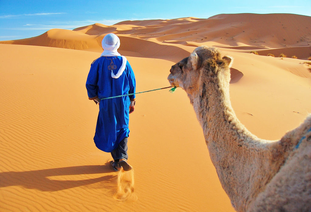 Una de las excursiones desde Marrakech más completas es la que te lleva al desierto de Merzouaga.