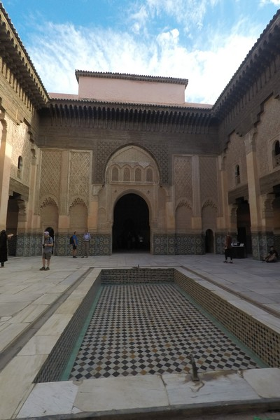 La Medersa Ben Youssef es una antigua escuela coránica que ver en Marrakech.