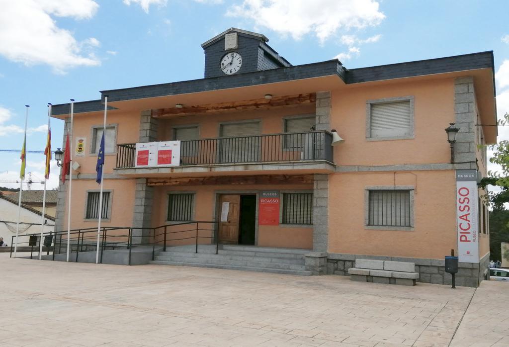 El Museo Picasso es otro de los sitios que ver en Buitrago de Lozoya.