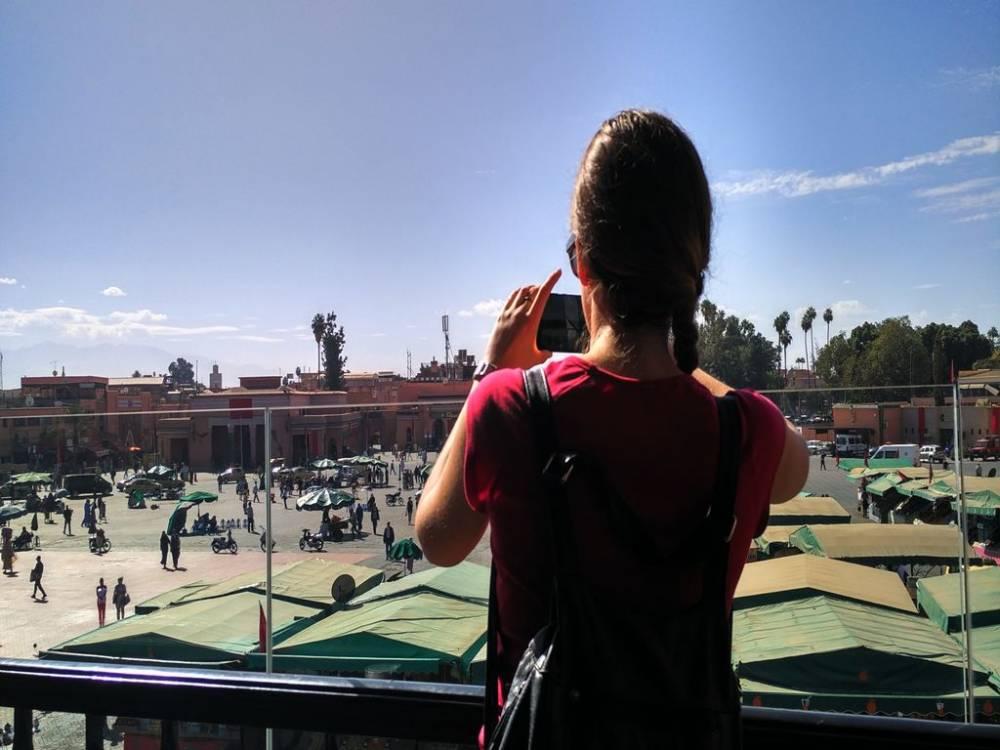 La plaza Jemaa el Fna es el lugar con más ambiente que ver en Marrakech.