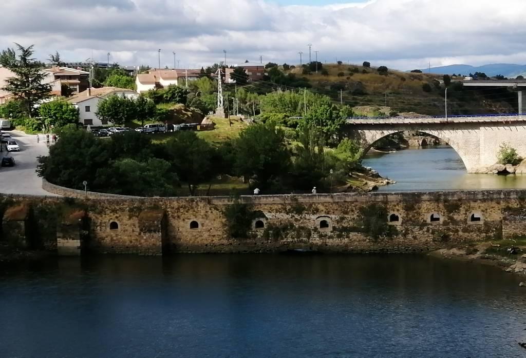 El Puente del Arrabal también es conocido como Puente Viejo de Buitrago.
