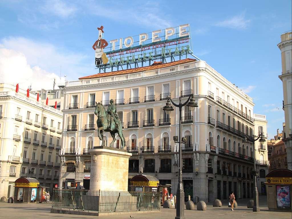 En la Plaza Mayor es tradición tomar las uvas en Nochevieja al son de las campanadas.