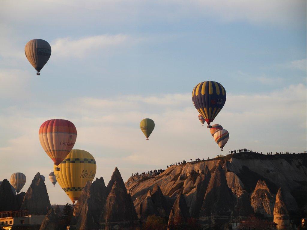 Volar en globo por la Capadocia es el sueño de muchos viajeros (me incluyo).