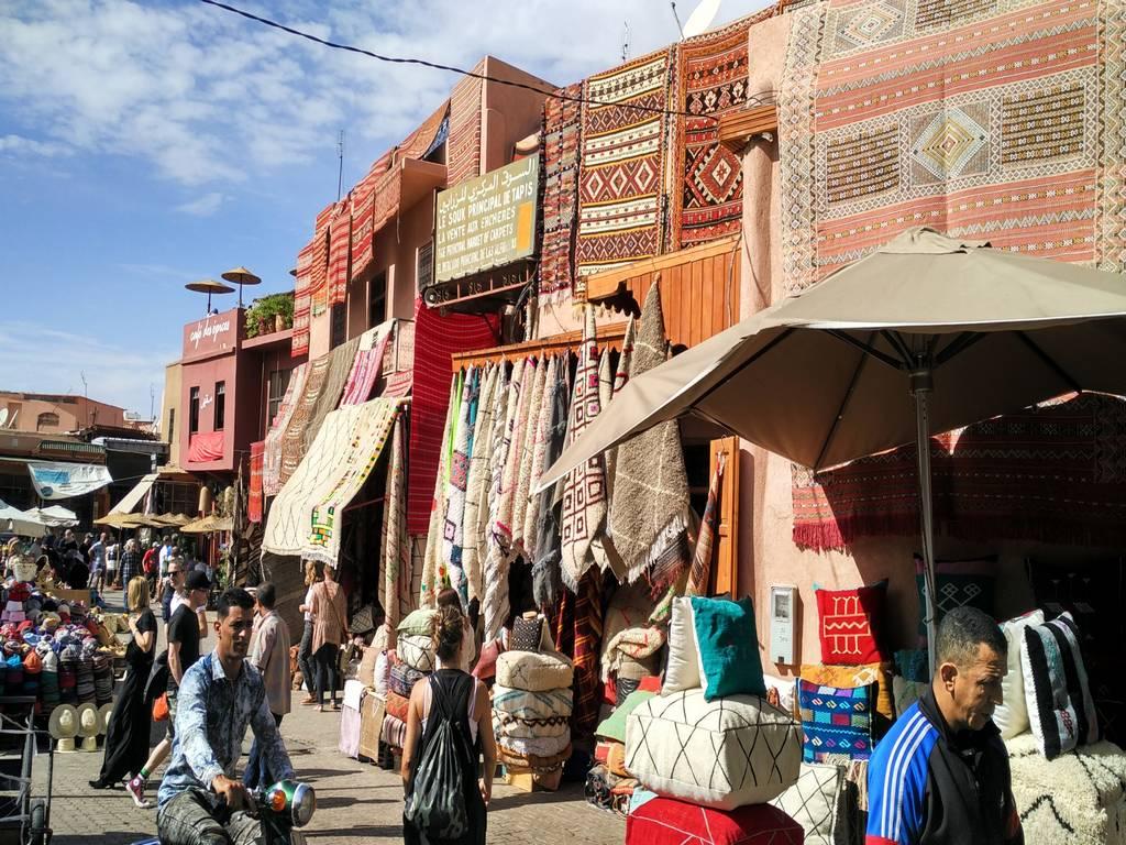 En tu escapada por Marrakech en 3 días te recomiendo perderte por la medina y sus zocos.