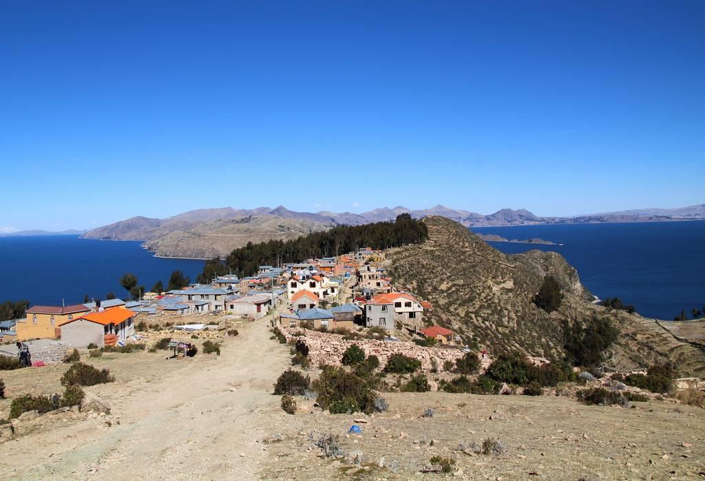 Un plan que hacer en los alrededores de Puno es visitar la isla del Sol en Bolivia.