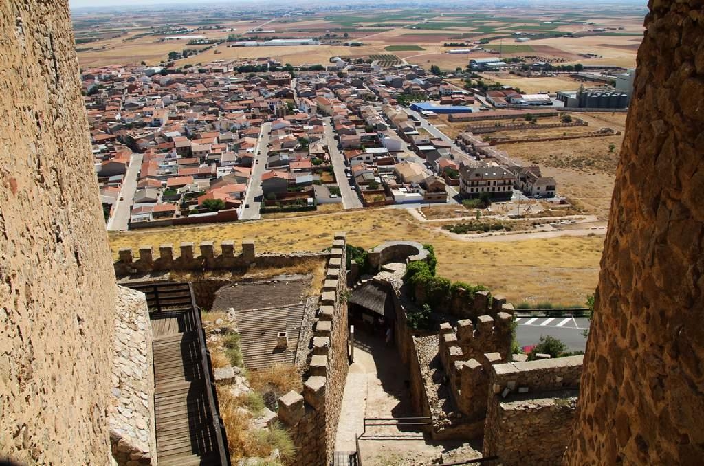 El castillo tenía tres sistemas defensivos, así que la misión de invadirlo no era fácil precisamente.