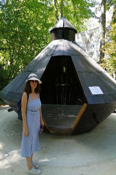 En el Jardín de Clos Lucé podrás ver recreaciones de los inventos que ideó Leonardo da Vinci.