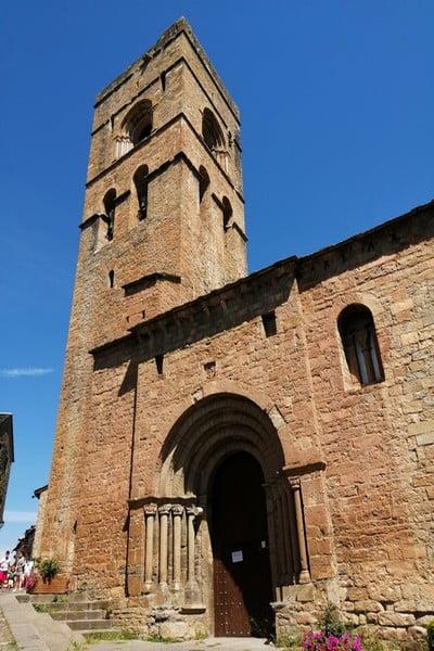 La torre del campanario de la Iglesia de Santa María es una joya.