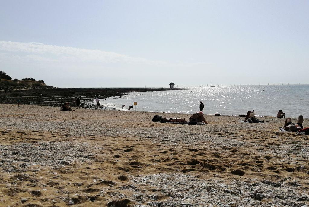 Un plan que hacer en La Rochelle si hace mucho calor es ir a refrescarse a sus playas.