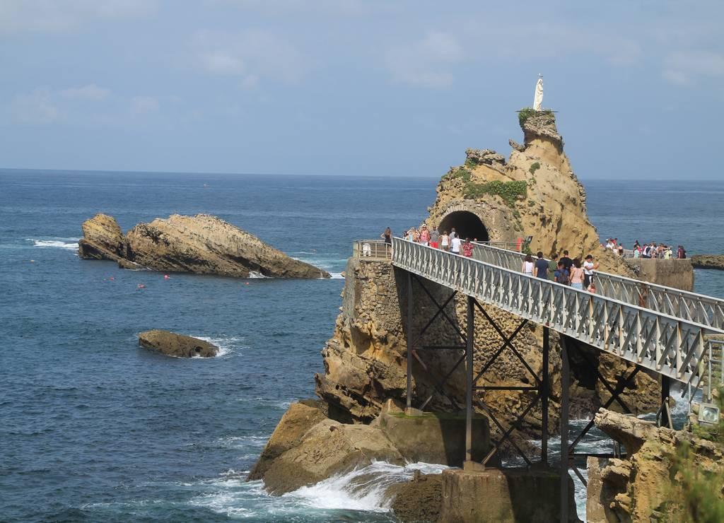 Qué ver en Biarritz en un día: Rocher de la Vierge.