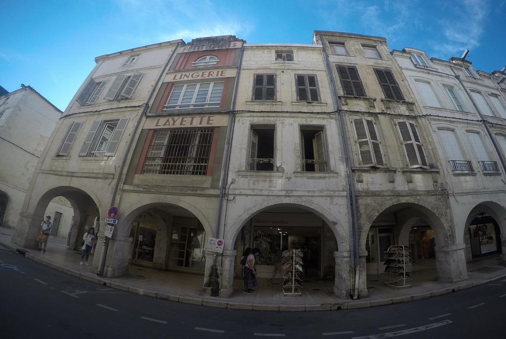 La calle de los Mercaderes es una de las que más me fascinó de esta ciudad costera francesa.