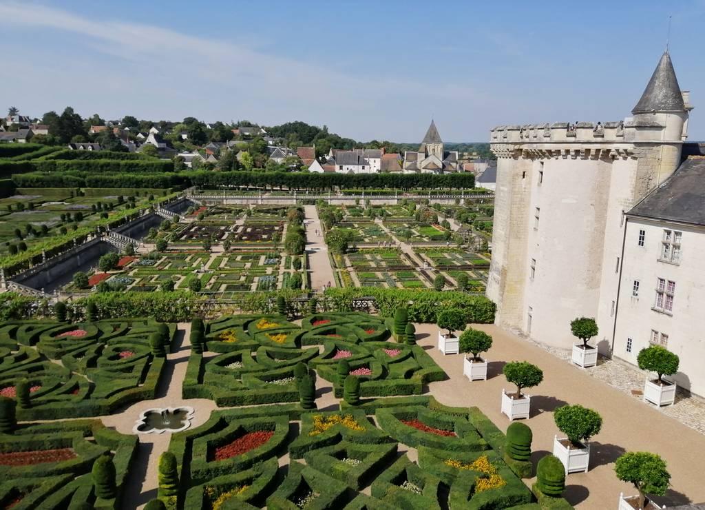 Los jardines de Villandry son los más impactantes que vi durante mi ruta por los castillos del Loira en 7 días.