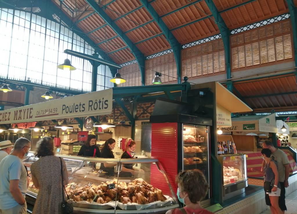 En ninguno de mis viajes falta una visita al mercado para ver y comprar productos locales.