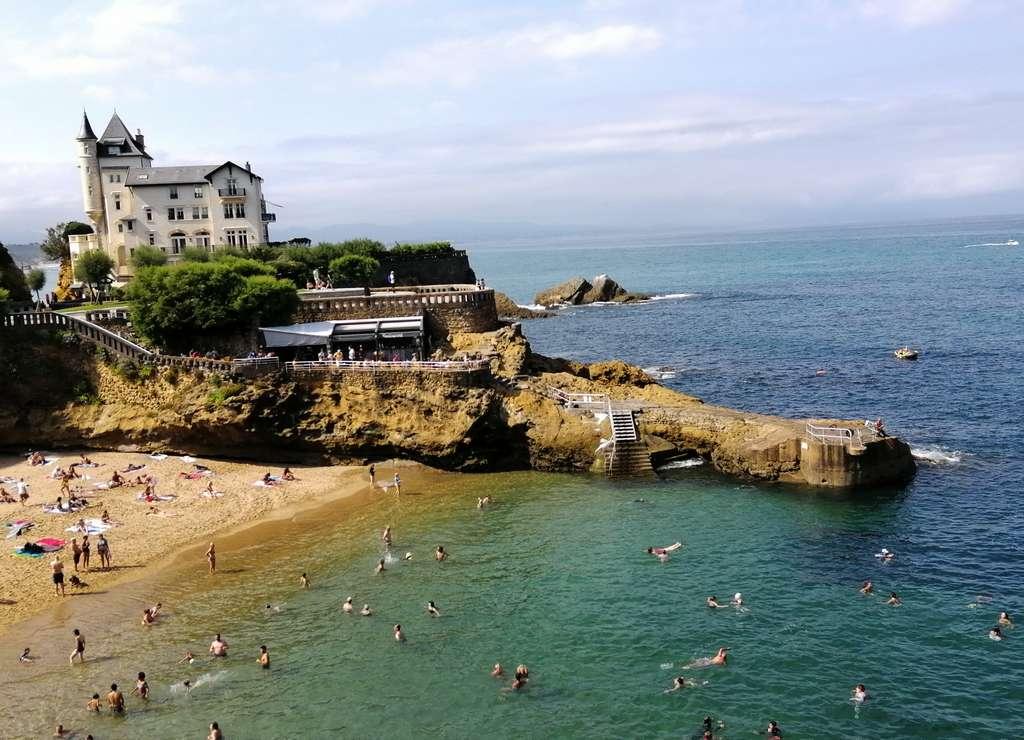 Vistas desde el mirador Le Rocher de la Vierge en Biarritz.