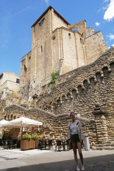 La Iglesia de San Miguel tenía antiguamente fines defensivos por su ubicación.