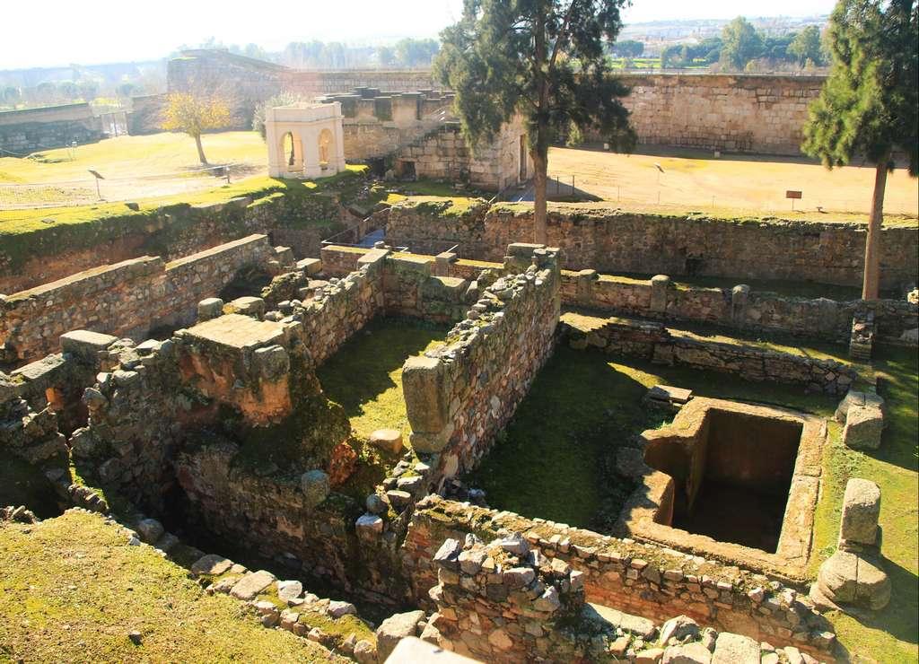 La Alcazaba de Mérida es una fortificación islámica del siglo IX.
