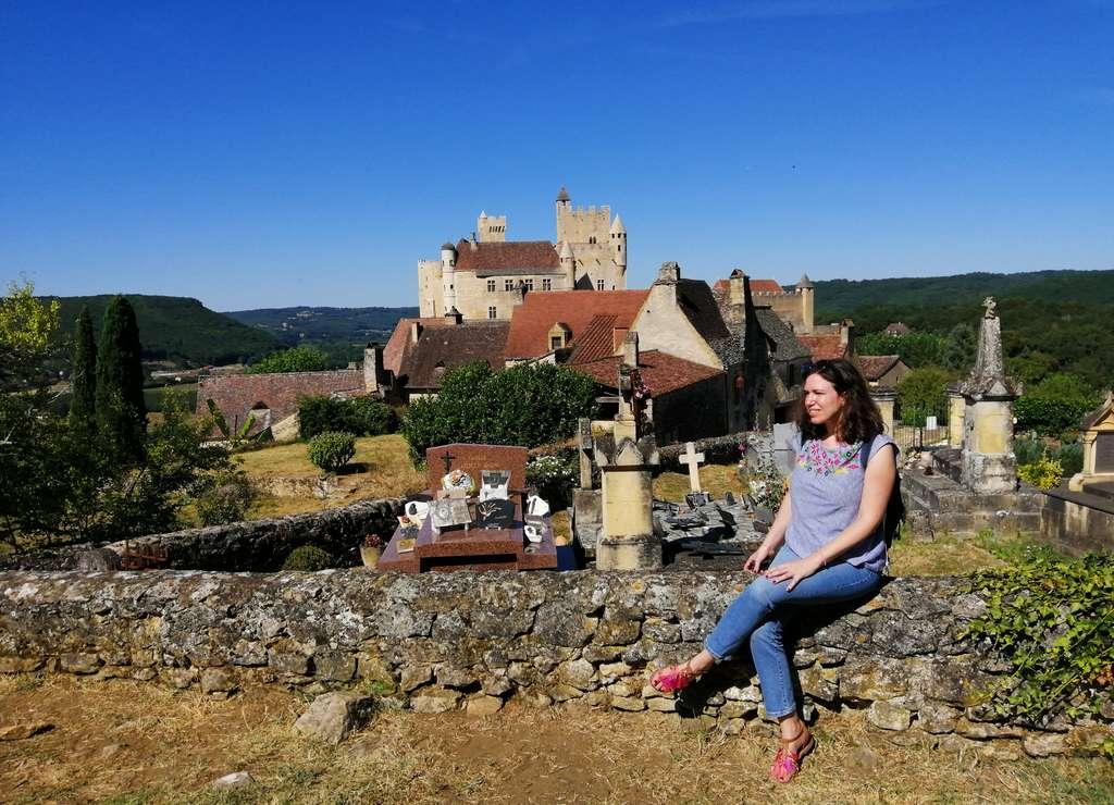 Beynac es uno de los pueblos más bonitos cerca de Sarlat por su imponente castillo.