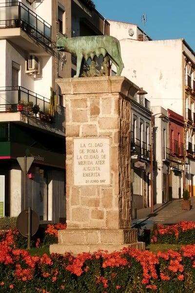 Réplica de la Loba Capitolina donada por la ciudad de Roma a Mérida.
