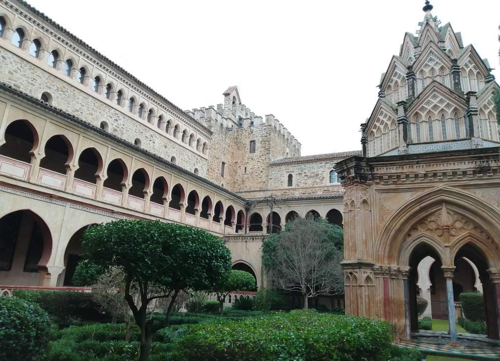 Solo nos dejaron hacer fotos del claustro del Real Monasterio, pero no de los interiores.