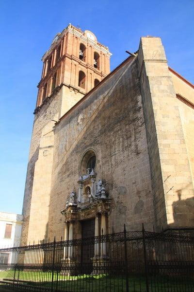 La Iglesia de Nuestra Señora de la Candelaria fue nombrada colegiata insigne en los siglos XVII y XVIII.