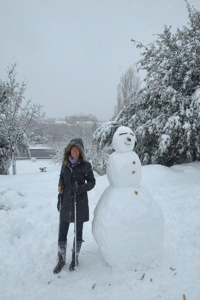 Y no podían faltar los muñecos de nieve en el Parque Madrid Río.