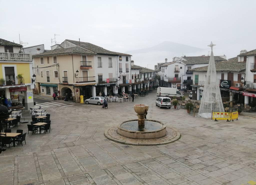 La Plaza de Santa María de Guadalupe es el sitio con más ambiente que visitar en Guadalupe.