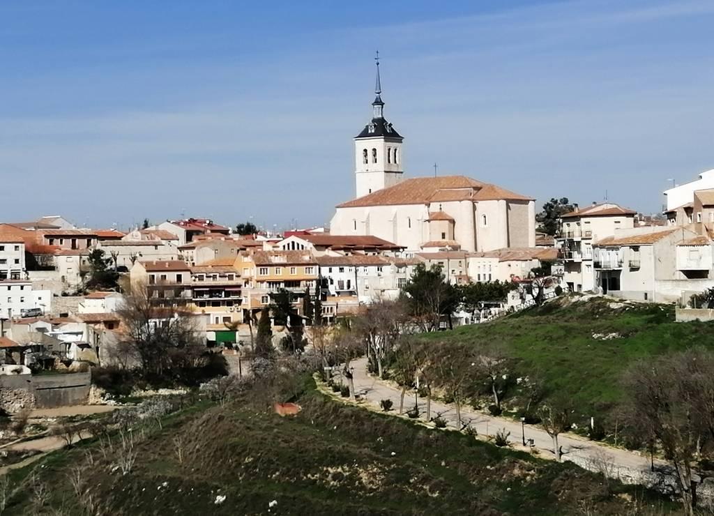 Las mejores vistas de la Iglesia de Santa María la Mayor las tienes desde la ermita del Cristo del Humilladero.