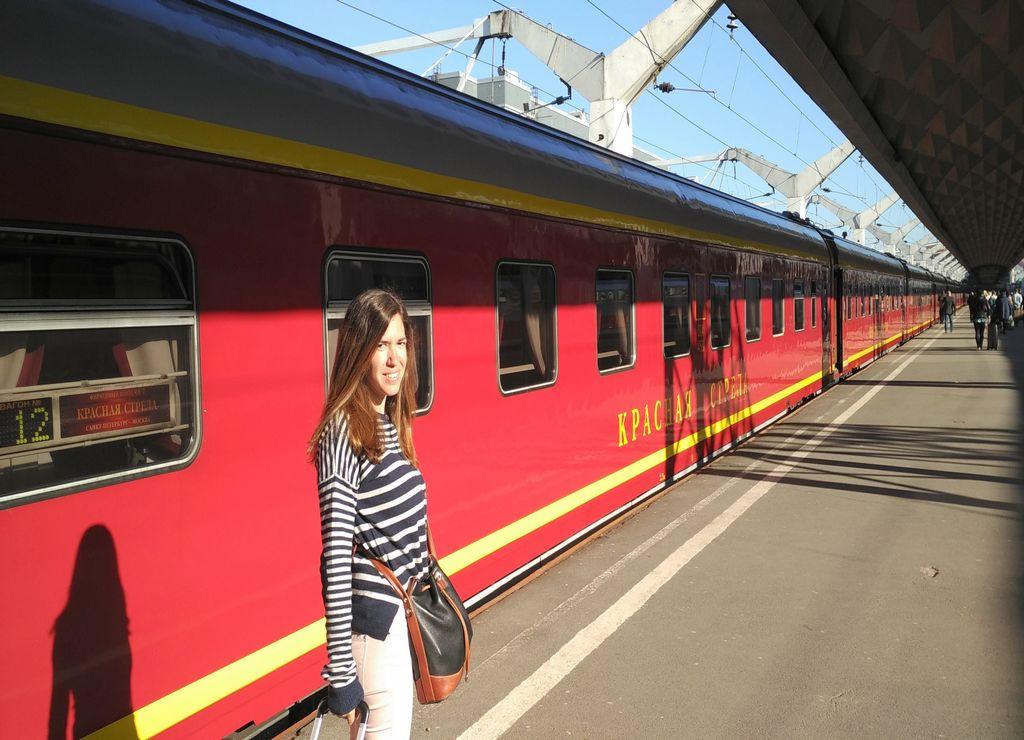 Tren de Moscú a San Petersburgo: viajando en el Flecha Roja.