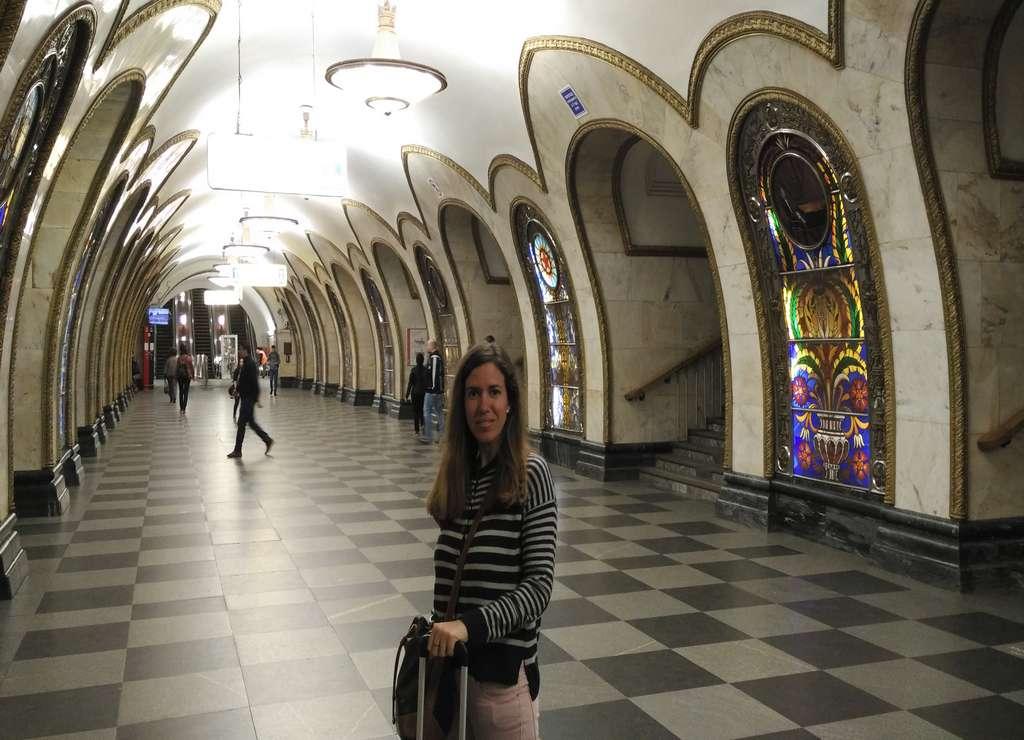 Lo más curioso de Novoslobódskaya son sus imponentes vidrieras.