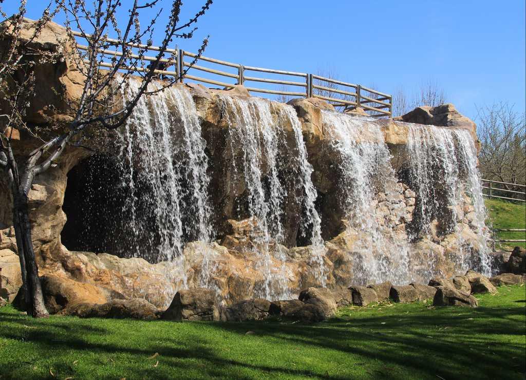 Cascada del Parque Europa de Madrid, la mayor zona verde de Torrejón de Ardoz.