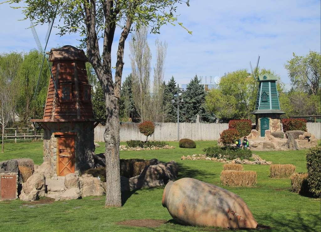 Los molinos holandeses son un símbolo de los Países Bajos y no podían faltar en el Parque Europa de Madrid.