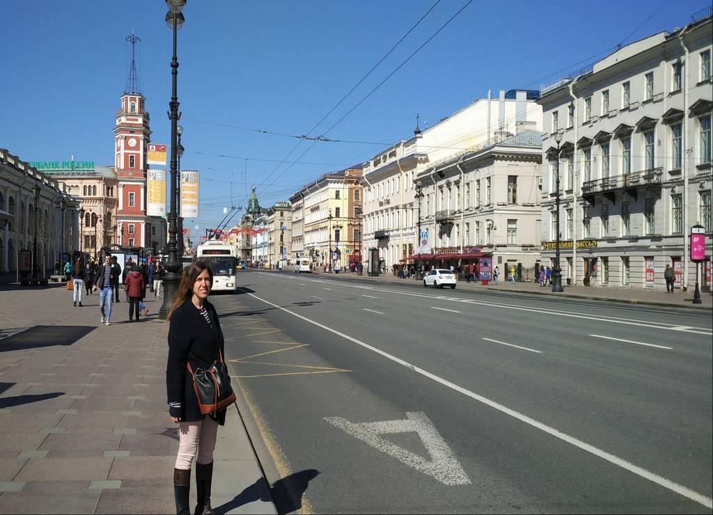 En San Petersburgo hay calles muy amplias y la principal de ellas es la Avenida Nevsky.