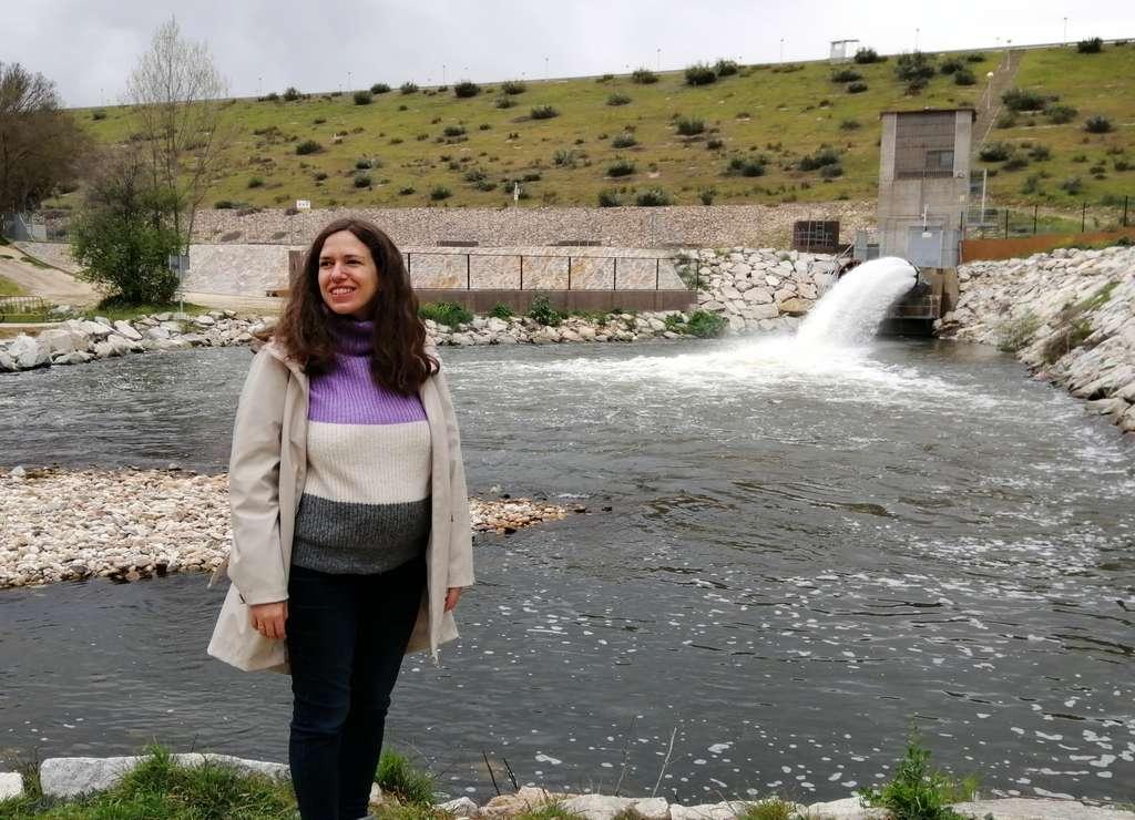 Aquí estoy, embarazada de 5 meses y medio, tras llegar a la Presa de El Pardo después de 6 km.
